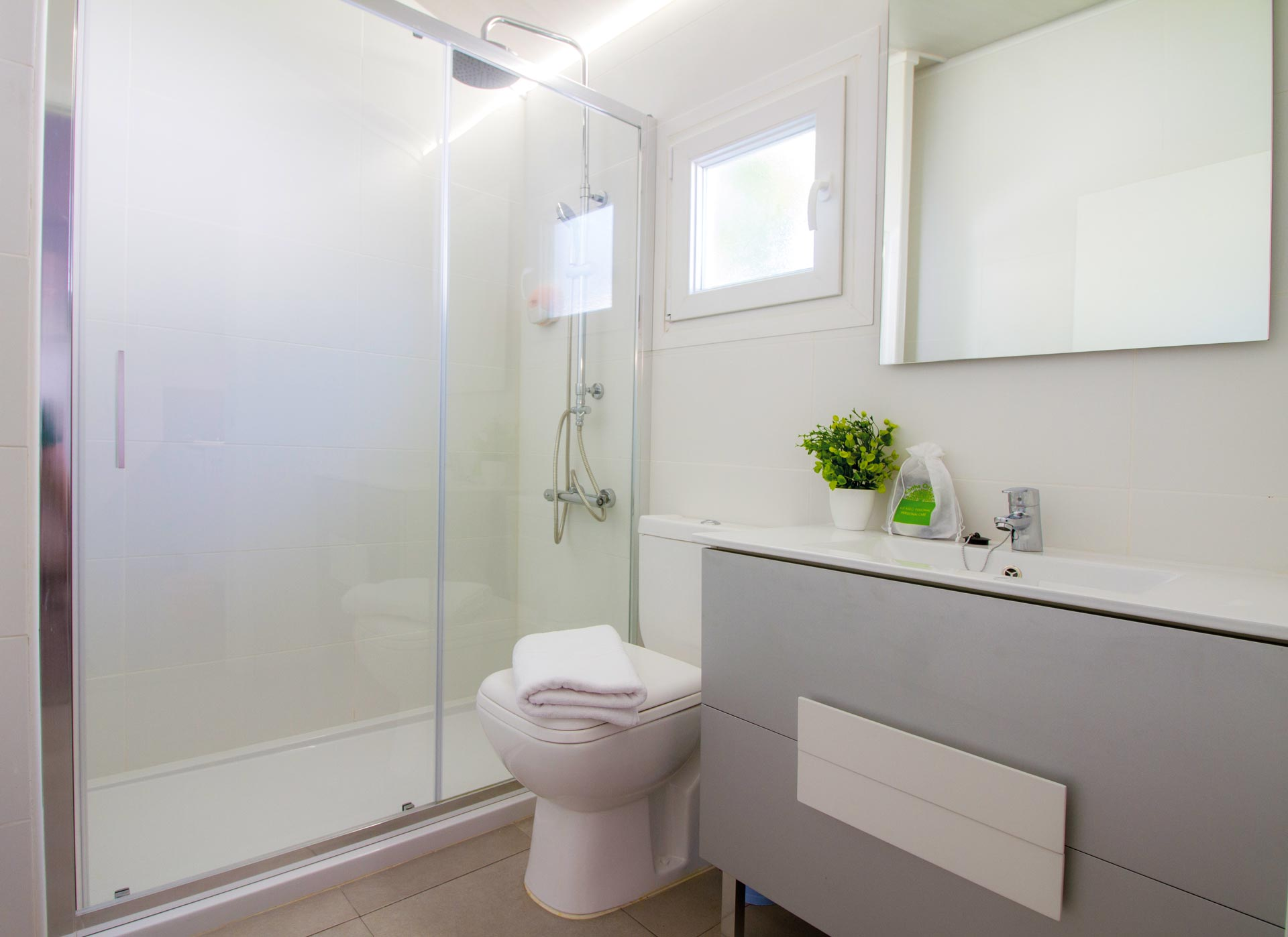 WES-DR-12-Double-Room-2